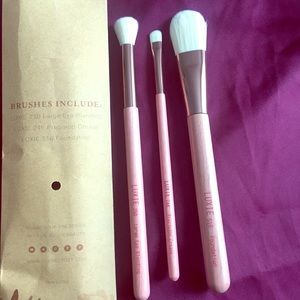 LuxieBeauty Brush Set
